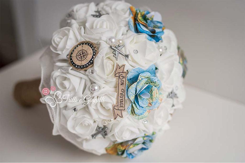 Bouquet sposa rose tema viaggio